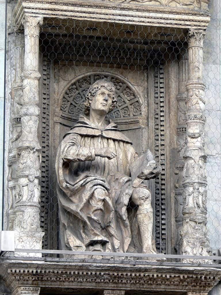 Statue of Pliny the Younger on the façade of the Cathedral of St. Maria Maggiore in Como.